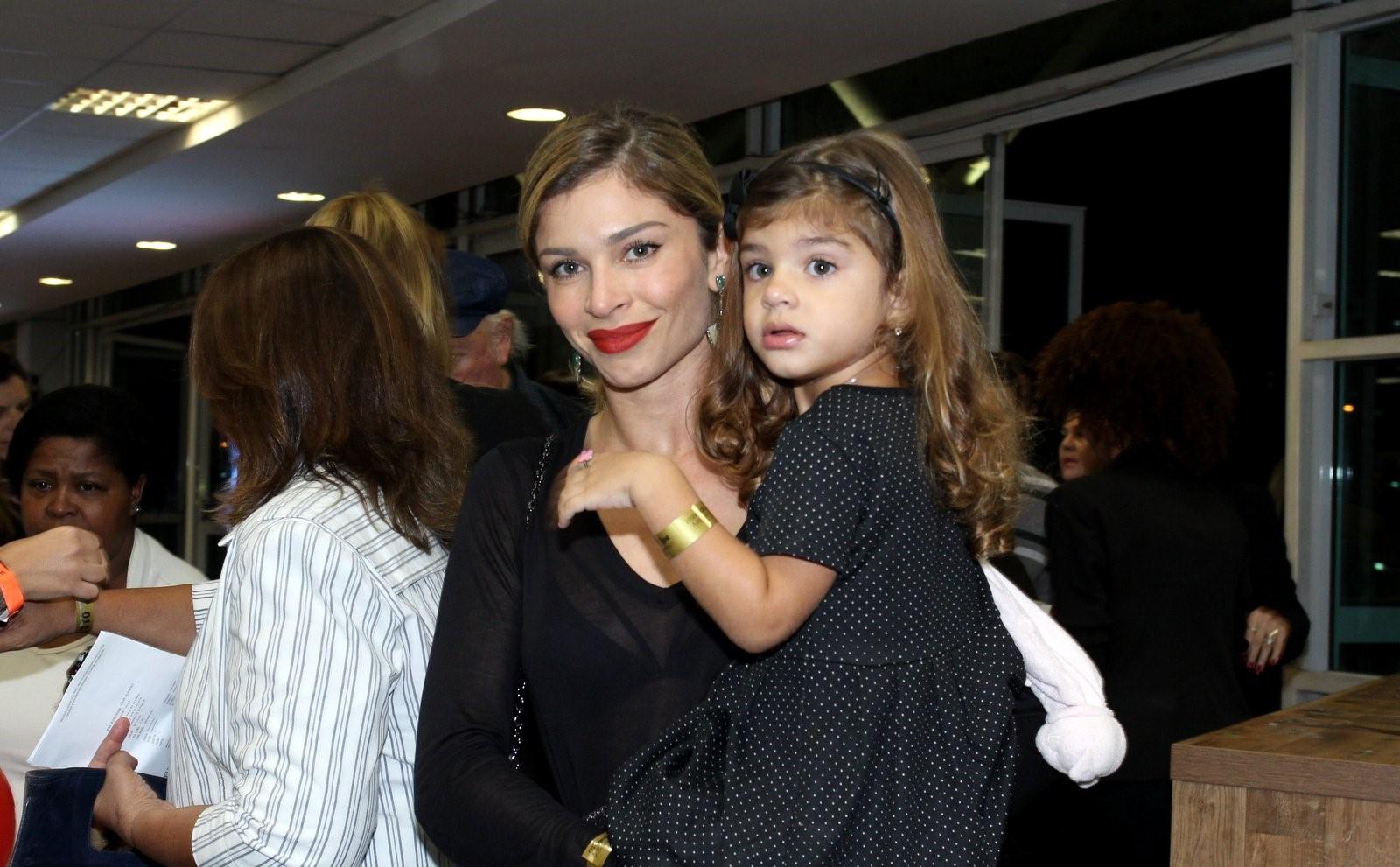 Grazi Massafera e a filha Sofia (Foto: Divulgação)