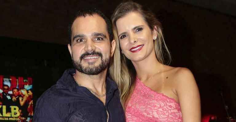 Luciano Camargo e Flávia Fonseca (Foto: Reprodução)