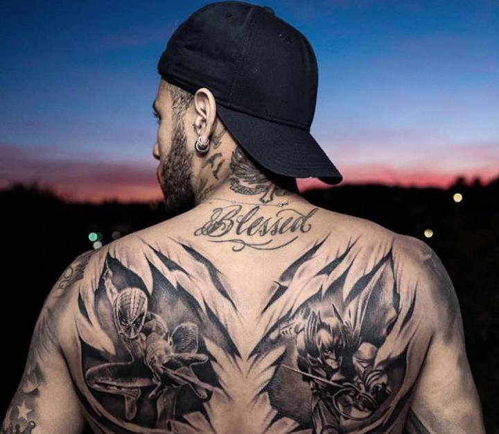 Novas tatuagens de Neymar (Foto: Reprodução)