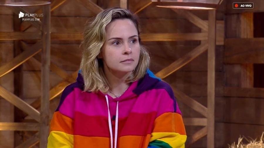 Ana Paula ficou profundamente irritada com sua eliminação da Fazenda (Foto: Reprodução/PlayPlus)
