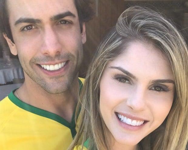 Barbara Evans e Gustavo Theodoro (Foto: Reprodução/Instagram)