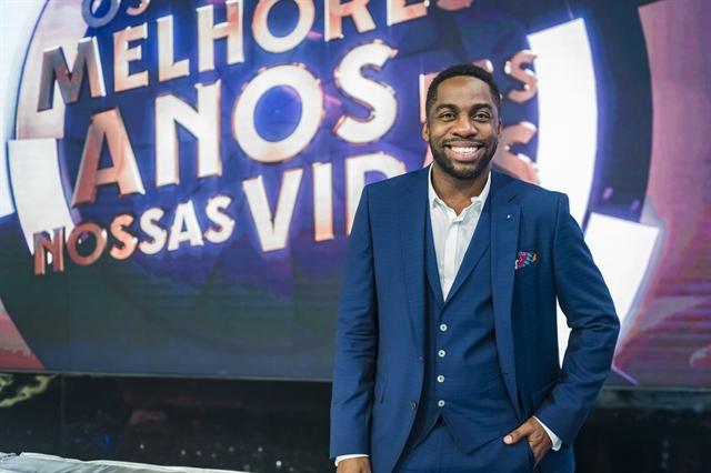 O apresentador Lázaro Ramos no programa Os Melhores Anos das Nossas Vidas (Foto: Globo/Paulo Belote)