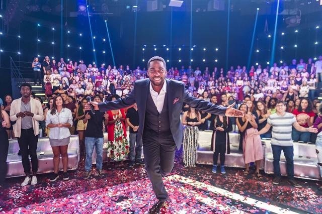Lázaro Ramos no programa Os Melhores Anos das Nossas Vidas (Foto: Globo/Paulo Belote)