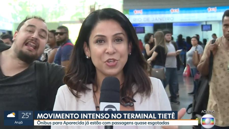 Homem surge em transmissão ao vivo na Globo e faz protesto contra Bolsonaro