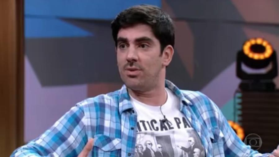 Marcelo Adnet esteve no Conversa com Bial (Imagem: Reprodução/Globo)