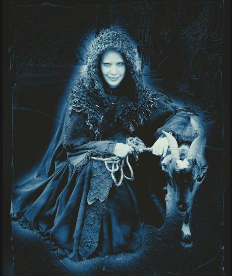Mayana Moura como Satanás na novela Jesus. (Foto: Reprodução)