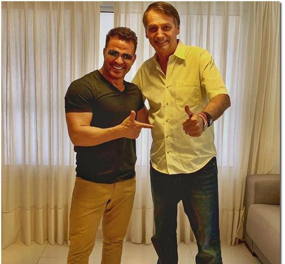 """Cantor garante que é um dos 70 milhões de marketeiros de Bolsonaro e manda  recado  """"Não recebo nem um centavo por isso"""" df7574fd8f"""