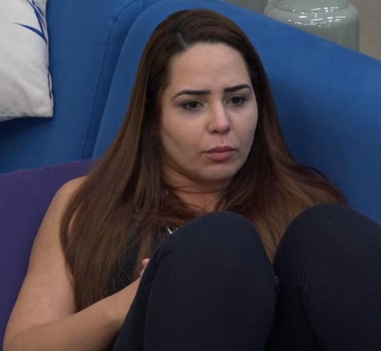 Luane Dias e Perlla falam sobre a roça (Foto: Reprodução/PlayPlus)
