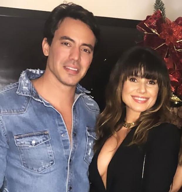 Paula Fernardes aparece com o novo namorado em clima de intimidade e ... 78e58b45ab