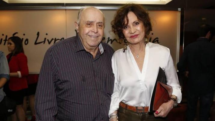 Casal Mauro Mendonça e Rosamarinha Murtinho tiveram seu vínculo renovado pela Globo. (Foto: AGNews)