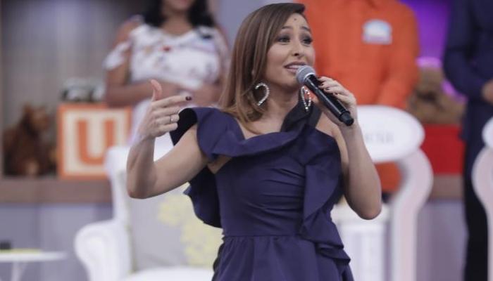 A apresentadora Sabrina Sato em seu programa na Record (Foto: Antonio Chahestian/Record)