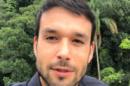 O ator Sérgio Marone postou vídeo simulando sexo oral (Foto: Reprodução)