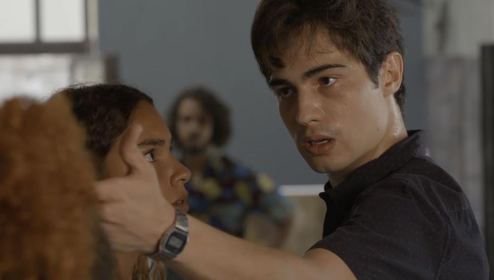 Valentim fica furioso em cena de Segundo Sol (Foto: Divulgação)