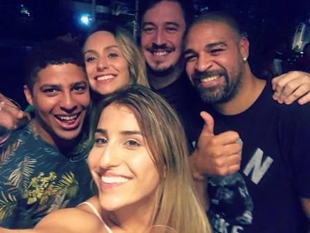 Adriano Imperador marca presença na festa de Thiago Magalhães (Foto: Reprodução/Instagram)