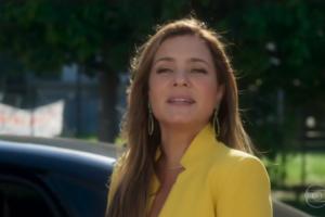 Laureta (Adriana Esteves) no último capítulo de Segundo Sol (Foto: Reprodução/Globo)