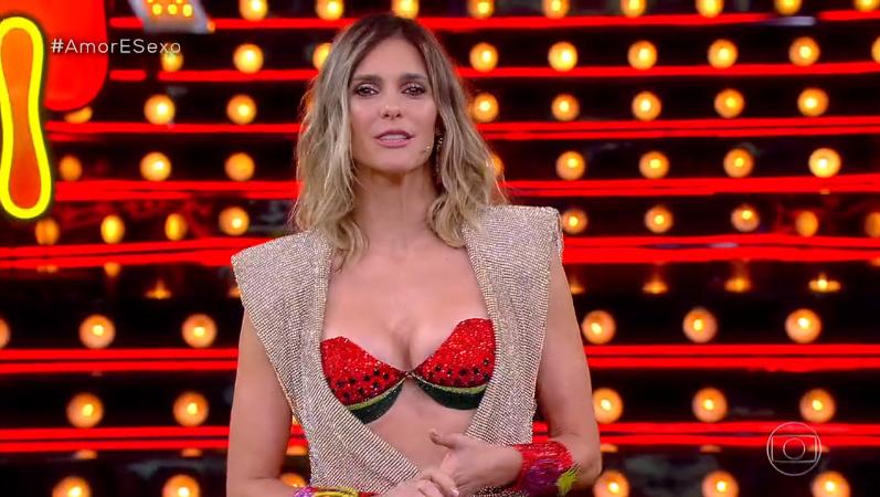 A apresentadora Fernanda Lima no comando do Amor e Sexo (Foto: Reprodução/Globo)