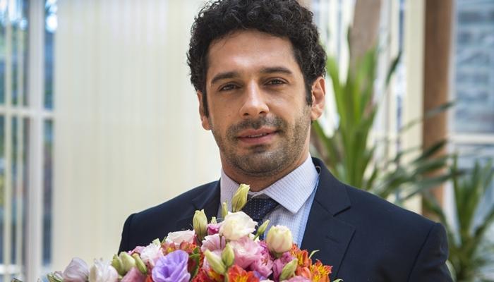 O ator João Baldasserini em O Tempo Não Para (Foto: Globo/Estevam Avellar)
