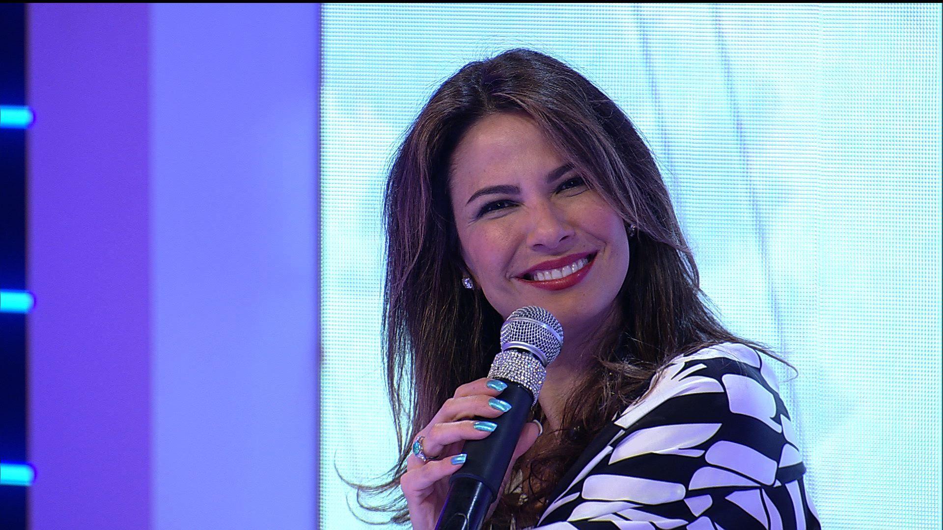 Luciana Gimenez comanda o Superpop na RedeTV! (Foto: Reprodução
