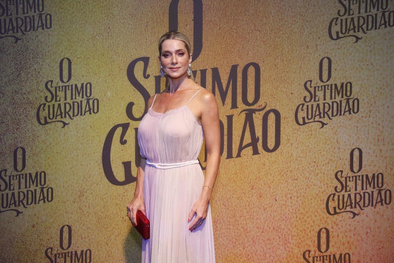 Letícia Spiller em festa de lançamento de O Sétimo Guardião