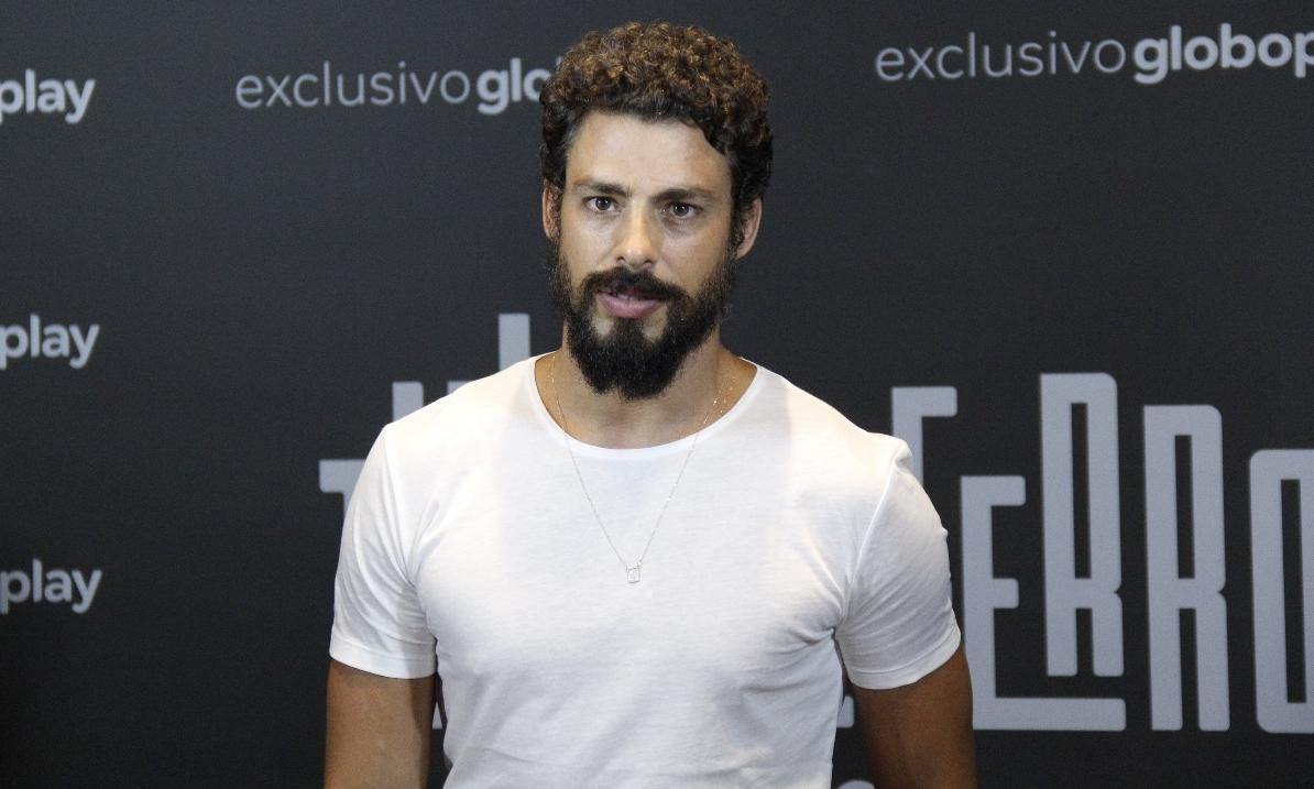 Cauã Reymond viverá gêmeos protagonistas de Um Lugar ao Sol, próxima novela das nove da Globo (Foto: Wallace Barbosa/AgNews)