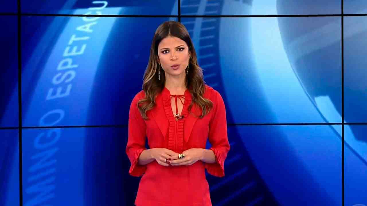 Thatiana Brasil comemorou a liderança do Fala Brasil na Record (Foto: Reprodução/Record)