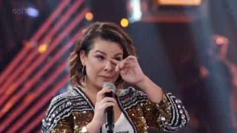 Fernanda Souza pediu ajuda as seus seguidores durante transmissão ao vivo (Foto: Reprodução/Globo)