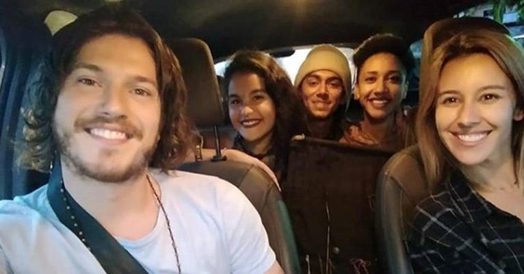 Caio Paduan, Cris Dias e alguns amigos (Foto: Reprodução)
