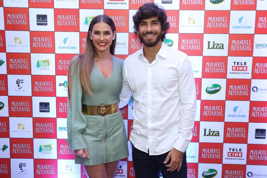 Marido De Deborah Secco Hugo Moura Surge Com Novo Visual E