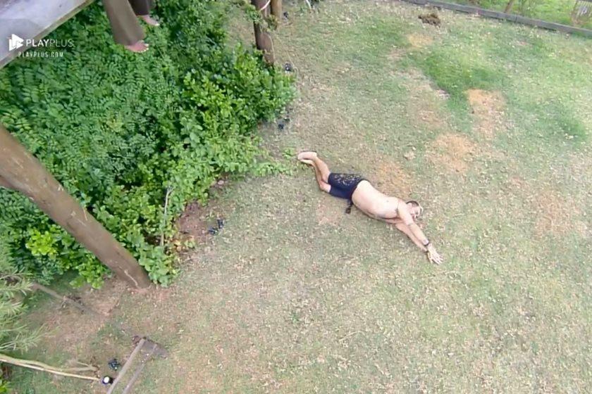 Evandro Santo se acidentou em A Fazenda (Foto: Reprodução)