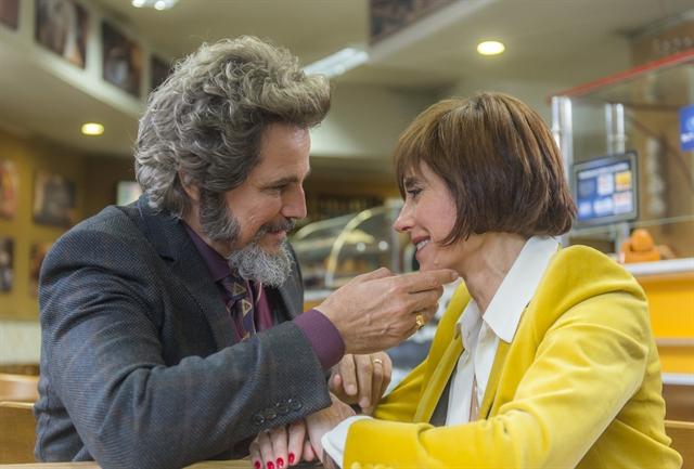 Dom Sabino (Edson Celulari) e Carmen (Christiane Torloni) em O Tempo Não Para (Foto: Globo/Raquel Cunha)