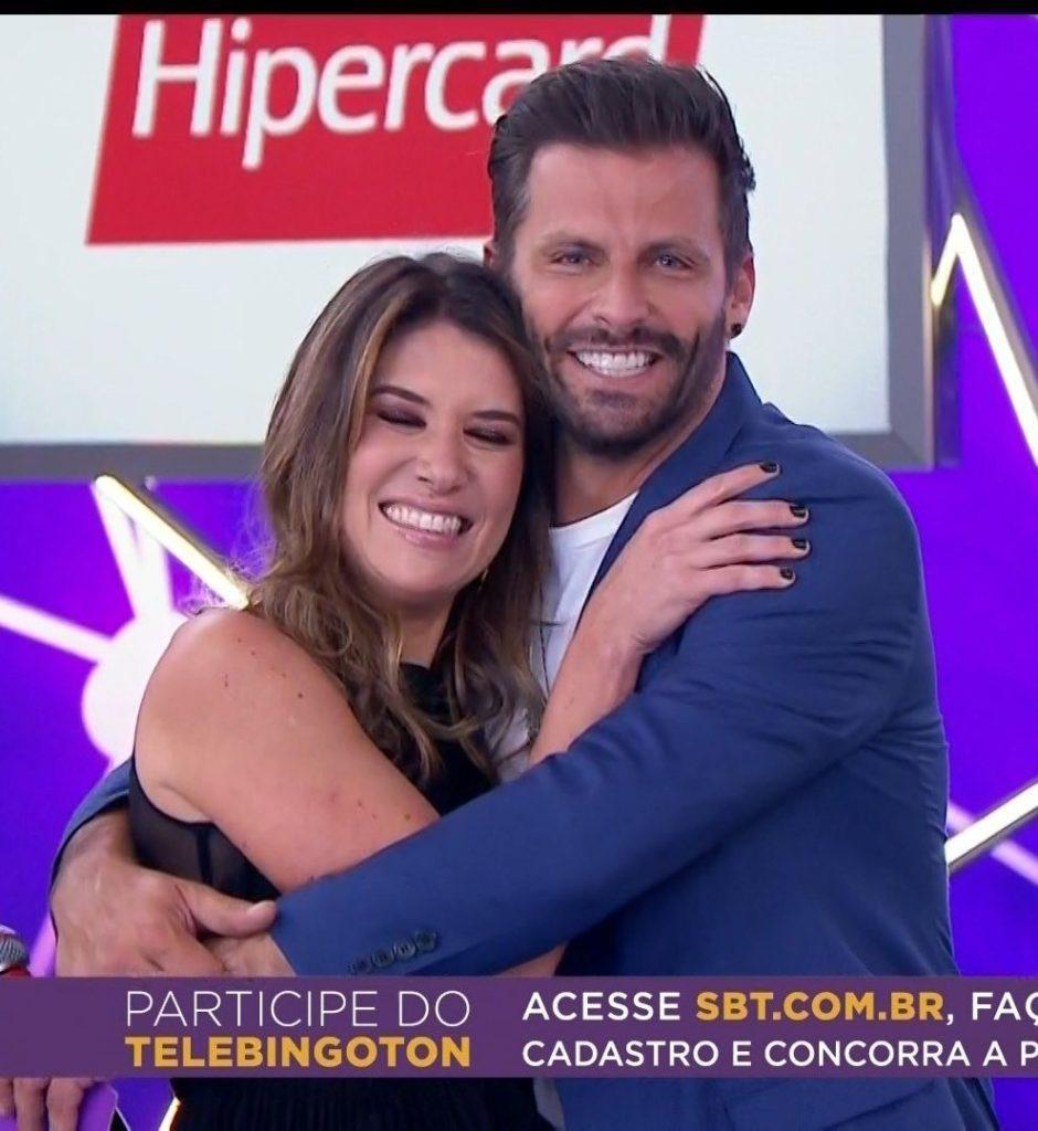 Henri Castelli toma decisão importante após ser intimado ao vivo no SBT a casar com Rebeca Abravanel