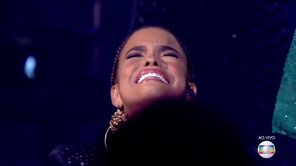 Jeniffer Nascimento emocionada como ganhadora do 'PopStar' 2018— Foto: TV Globo
