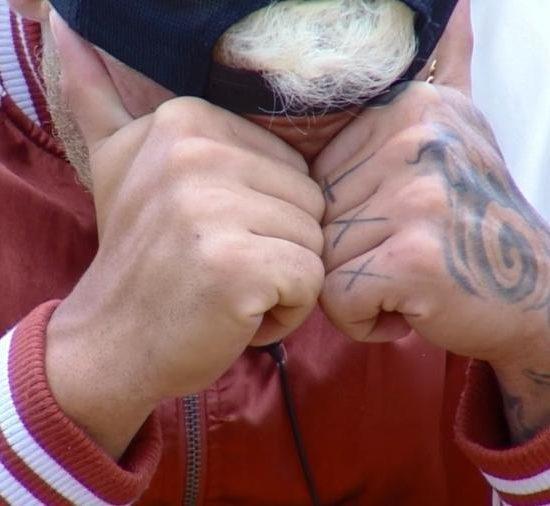 Leo Stronda cai no choro em A Fazenda (Foto: Divulgação)