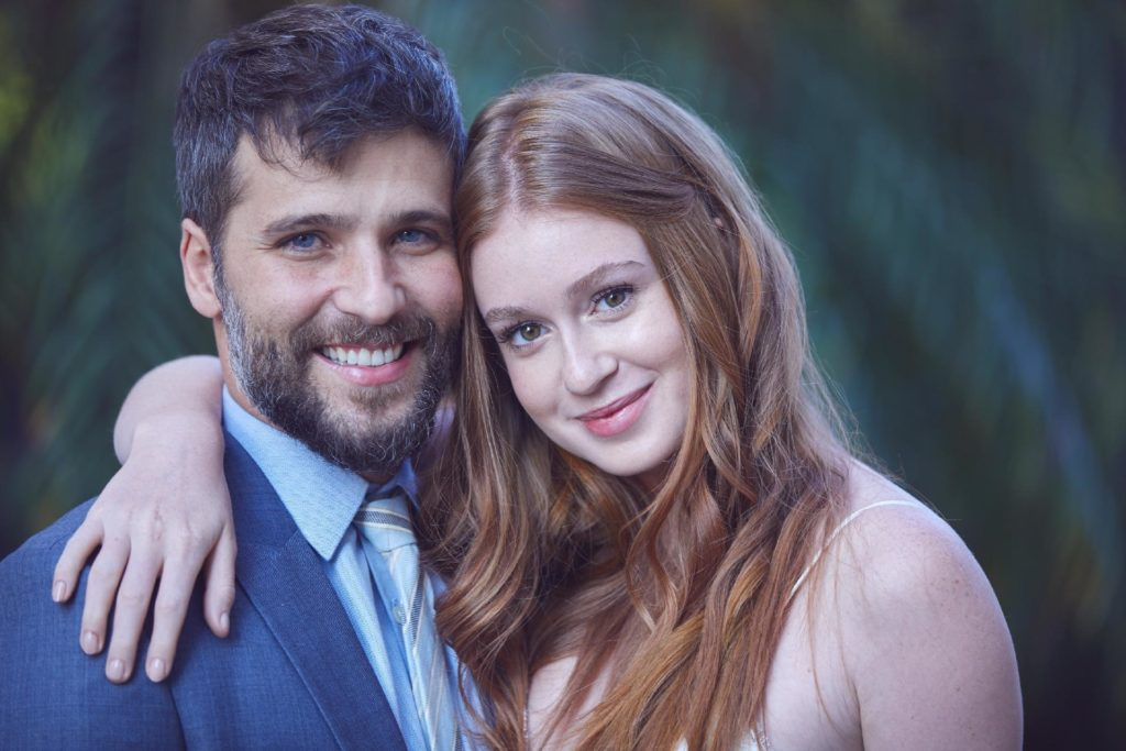 """Gagliasso defende cena de sexo com Marina Ruy Barbosa no cinema: """"Tem até pouco"""""""