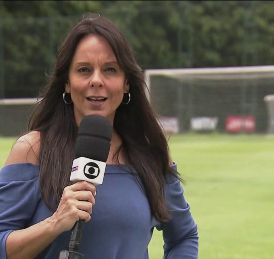 Repórter da Globo, Fabiola Andrade é assediada (Foto: Divulgação)