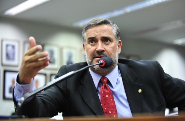 Deputado pelo PT, Paulo Pimenta entrou com ação contra o SBT na PGR (Foto: Divulgação)