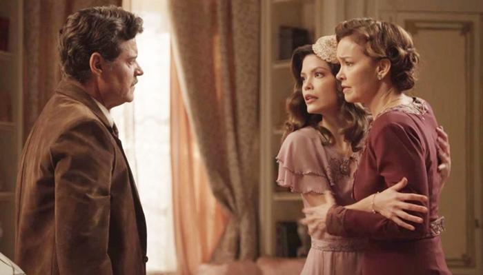 Eugênio (Felipe Camargo), Cris(Vitória Strada) e Piedade(Julia Lemmertz) em Espelho da Vida (Foto: Divulgação/Globo)