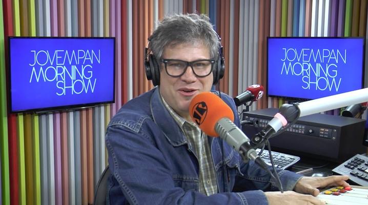 Edgard Piccoli é apresentador do Morning Show na rádio Jovem Pan. (Foto: Reprodução)
