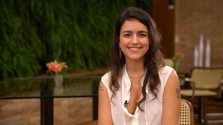Manuela Dias pode não fazer sua estreia no horário nobre da Globo. (Foto: Reprodução)