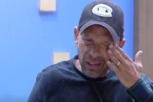 Rafael Ilha chora (Foto: Reprodução)