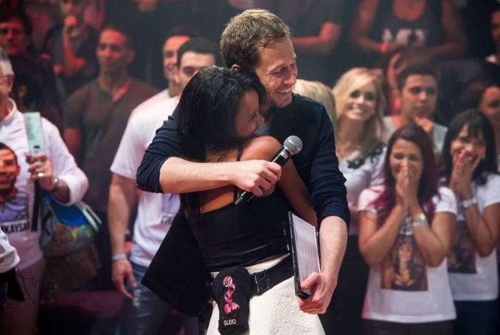 Tiago Leifert e Gleici Damasceno na final do Big Brother Brasil
