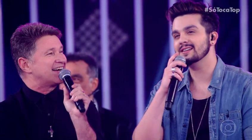 Luan Santana no programa Só Toca Top cantando com o Roupa Nova