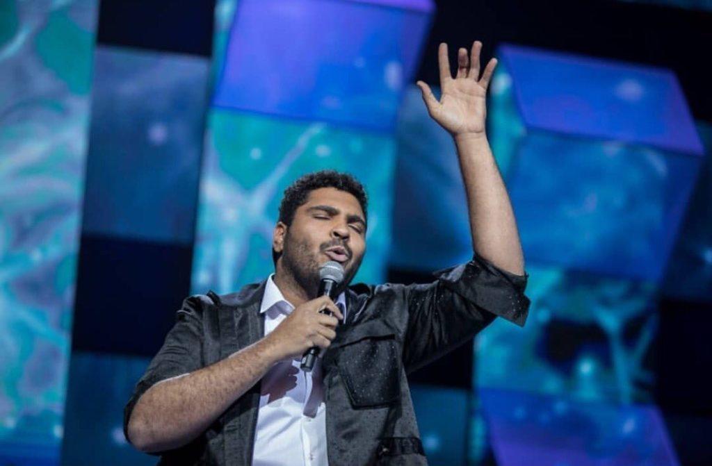 Paulo Vieira canta Xuxa no Canta Comigo (Record TV)
