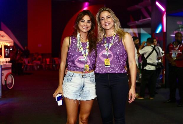 Fernanda Gentil ao lado da esposa (Foto: Reprodução)