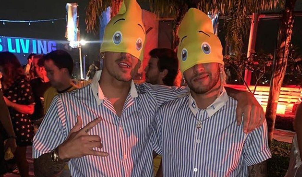 Neymar e Medina de Bananas de Pijama na festa do surfista (Foto: Reprodução/Instagram)