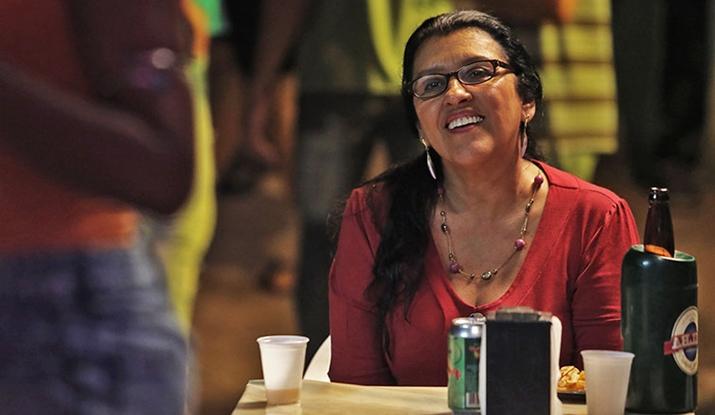 Regina Casé em cena do filme Que Horas Ela Volta? (Foto: Divulgação)