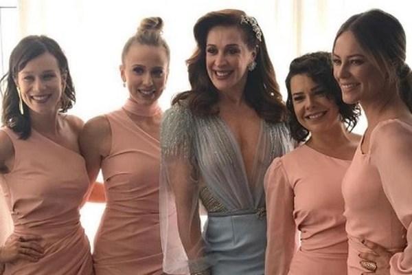 Claudia Raia e suas daminhas de honra (Foto: Reprodução/Instagram)