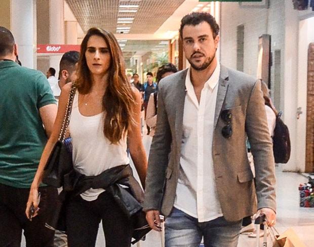 Joaquim Lopes e Marcella Fogaça (Foto: Webert Belício/AgNews)