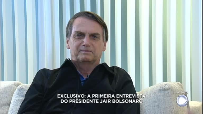 Bolsonaro em entrevista para a Record (Foto: Reprodução)