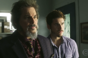 Edson Celulari (Dom Sabino) e Nicolas Prattes (Samuca) em cena de O Tempo Não Para (Foto: Reprodução/Globo)